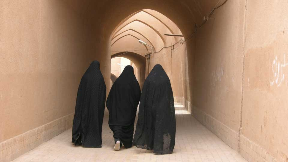 arabic women walking for web