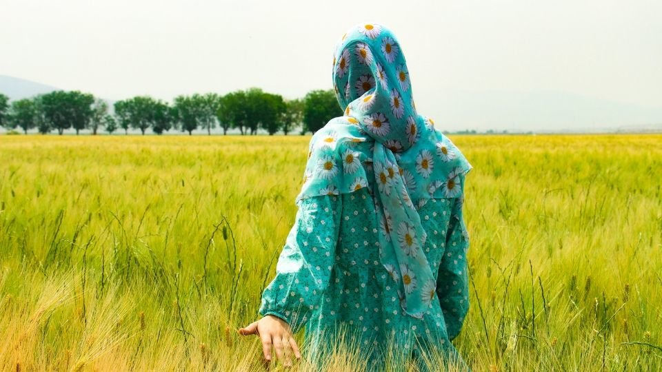 woman in iran from unsplash compressor